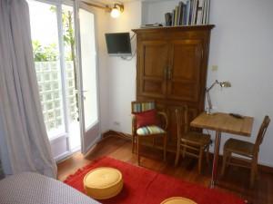 Eine schöne Wohnfläche, hell und gut ausgestattet